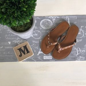 American eagle leather flip flops